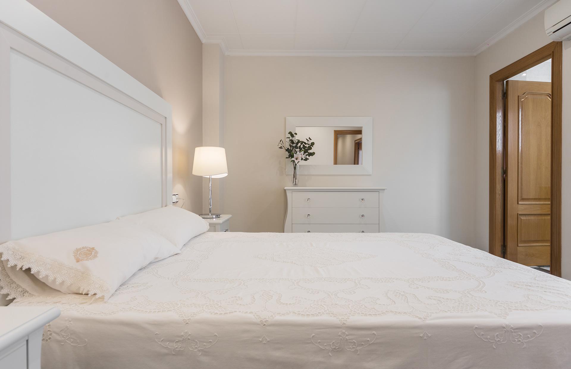 cabezal lacado dormitorio