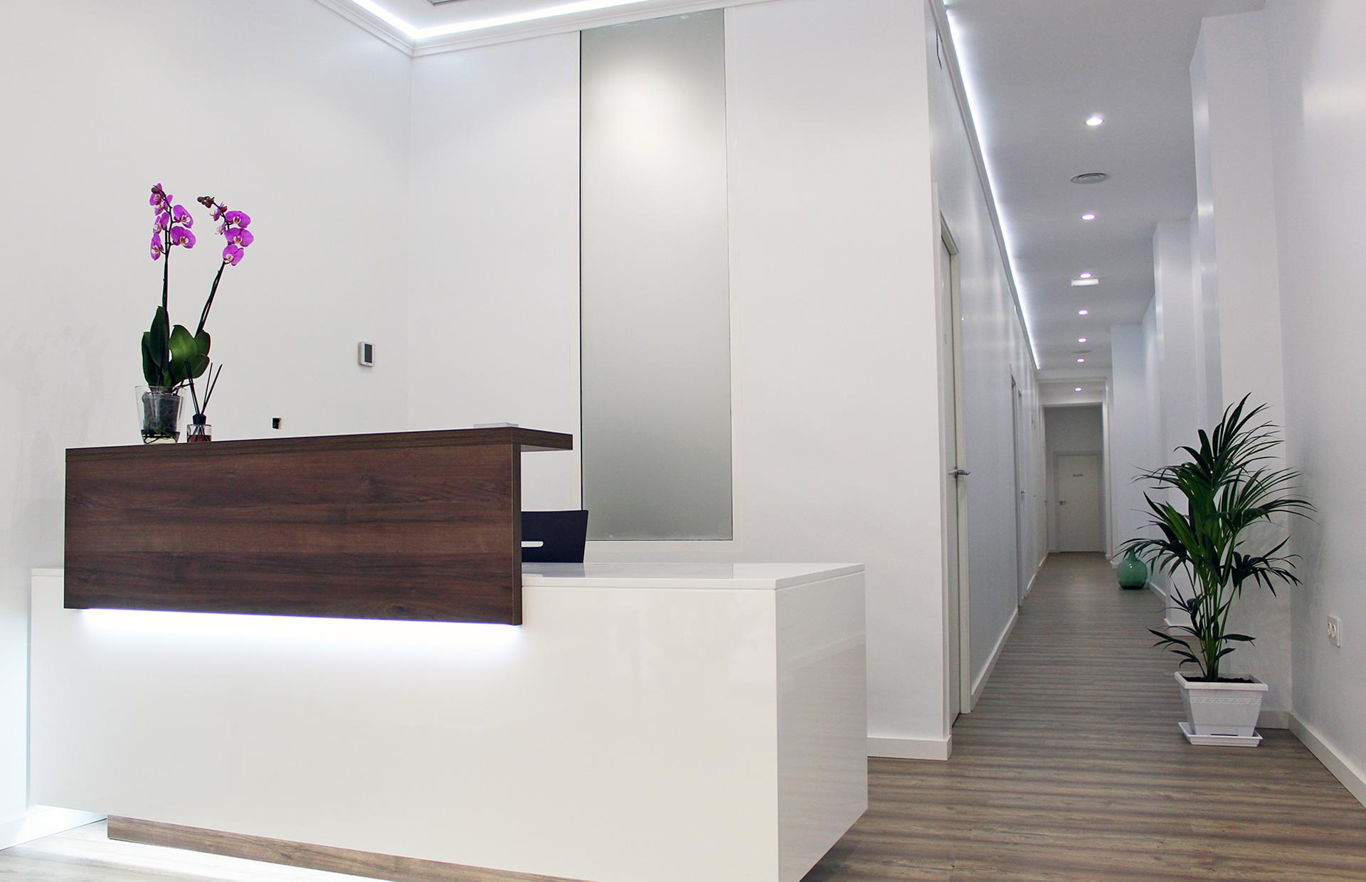 mobiliario lacado para empresas